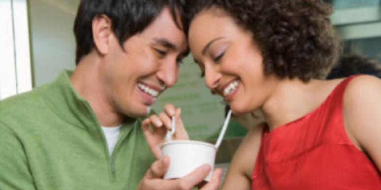 couple sharing food