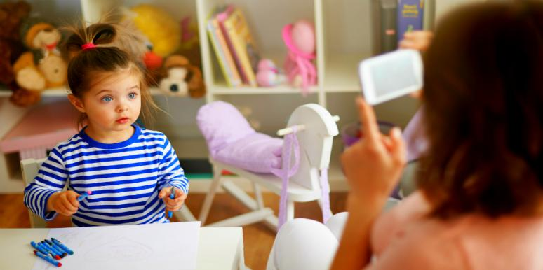 Dear Moms: The Baby Photo Obsession Needs To Stop, ASAP!