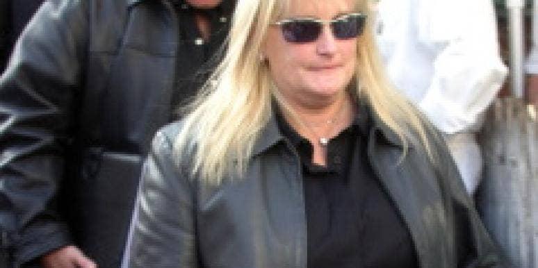 debbie rowe attend memorial service