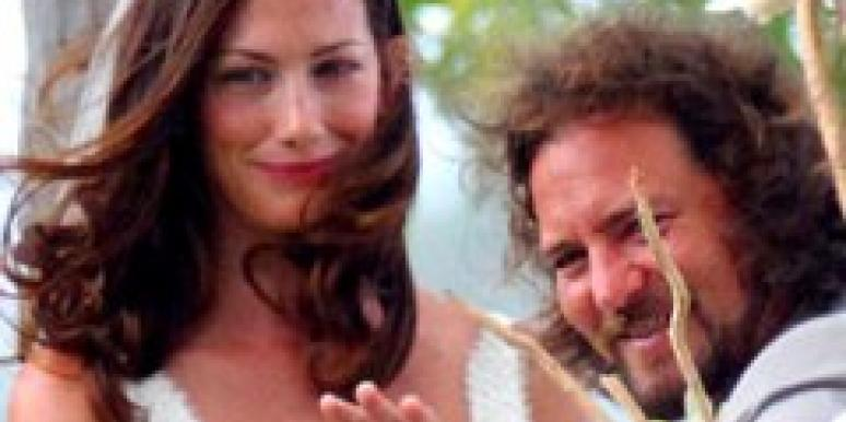 Eddie Vedder marries Jill McCormick
