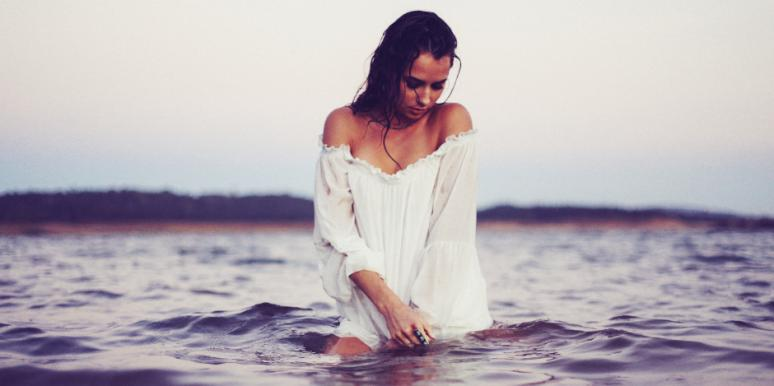 Why Fear Of Commitment Issues Are Keeping You Single & In Unhealthy Relationships