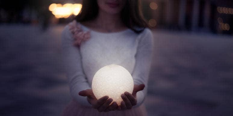Full Moon In Leo Love Horoscopes For January 28-29, 2021