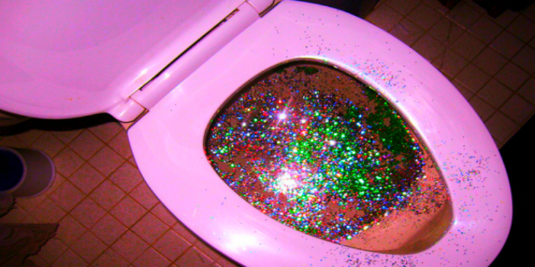 People Are Decorating Their Poop With Gltter