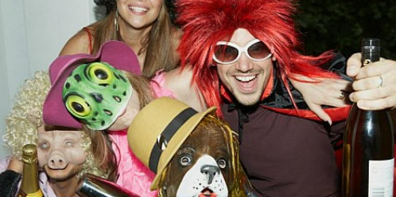 4 Reasons Why Singles Should Wear Costumes On Halloween [EXPERT]