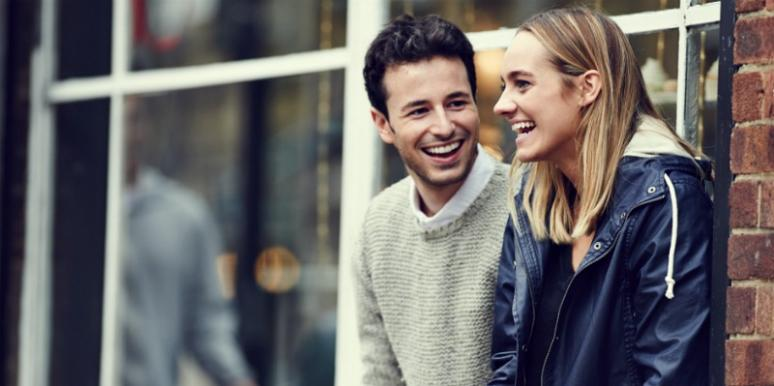 7 Smooth Tips For How To Talk To GIrls & Get Them To Like You