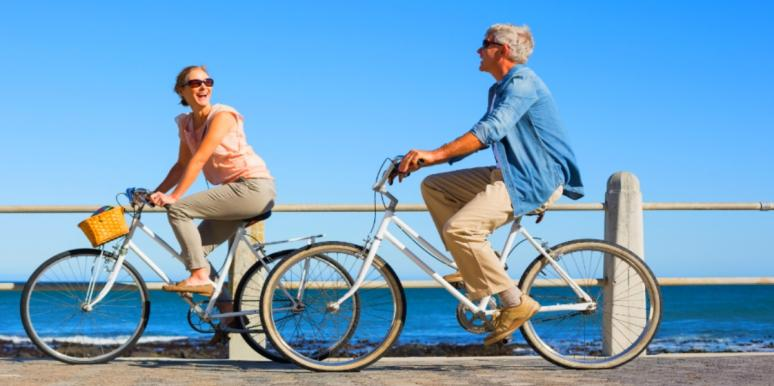couple on bikes accepting parents for who they are
