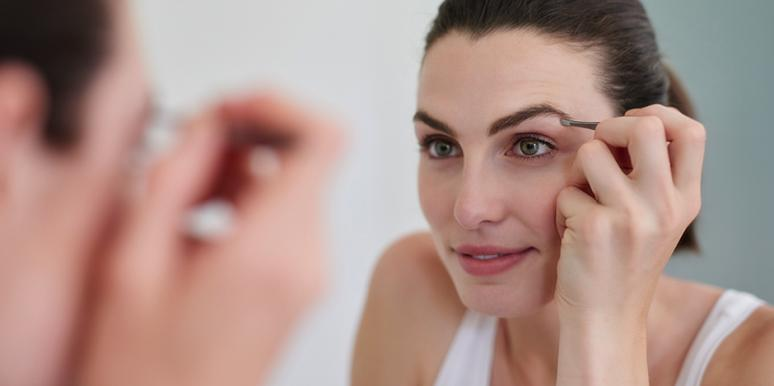 6 Easy Ways To Maintain Your Eyebrows In Coronavirus Quarantine (Until Salons Are Open Again)