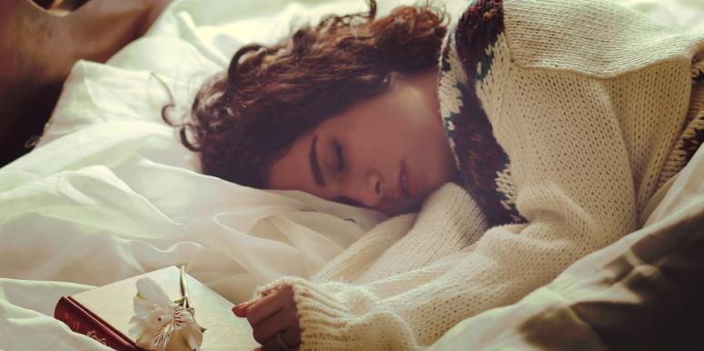 10 Ways To Stop Anxiety From Infiltrating Your Dreams & Ruining A Good Night's Sleep