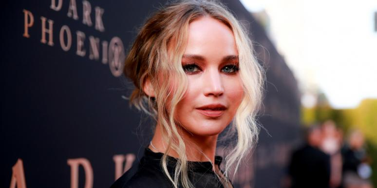 s Jennifer Lawrence Engaged? New Details About The 'Massive Ring' She Was Spotted Wearing With Boyfriend Cooke Maroney
