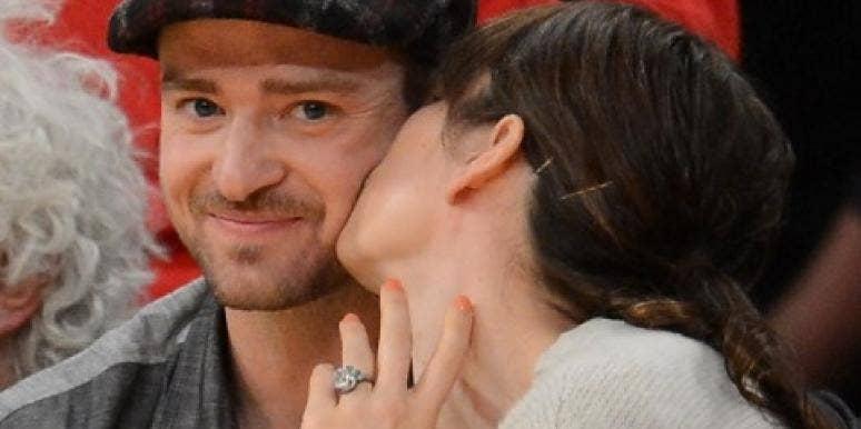 Jessica Biel kissing Justin Timberlake
