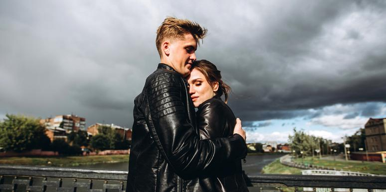 See Lightning Strike In This Couple's Epic Engagement Photo