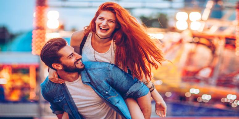 5 Tell-Tale Signs You're Totally High On Love (According To Science)