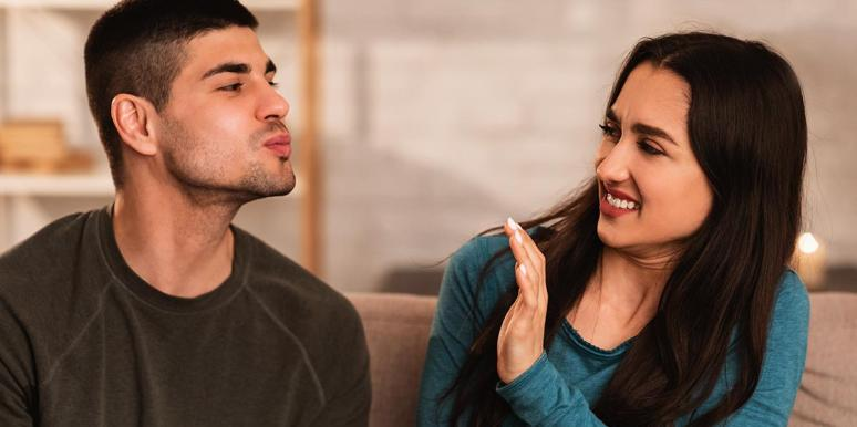 Man Kisses So Badly You'll Want To Crawl Out Of Your Skin
