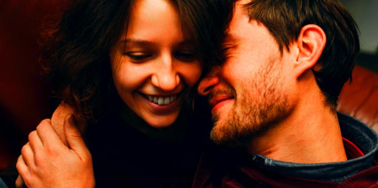 5 Differences Between Loving Someone And Being In Love With Them