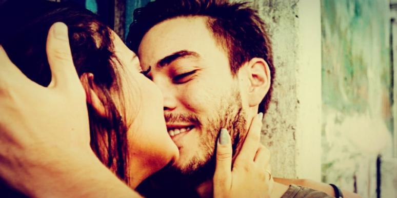 How Do You Know When You're In Falling In Love Vs. Lust? Signs That What You Feel Is Real
