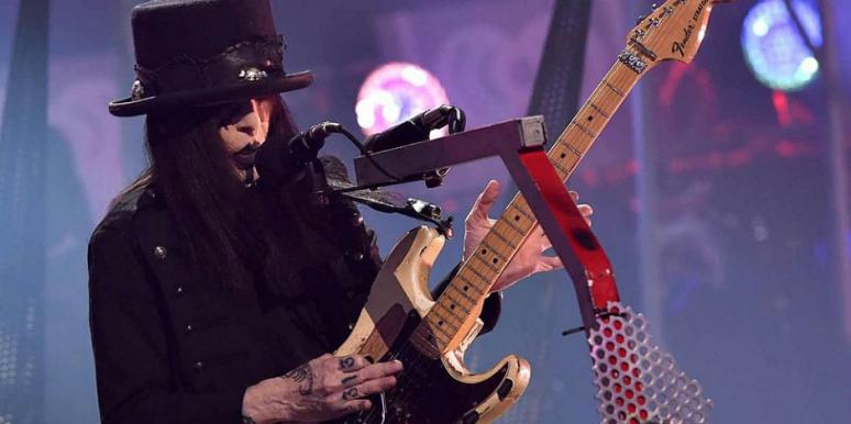 what disease does Mick Mars have