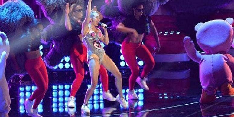 Celebrity Sex Scandal: Miley Cyrus VMA Performance