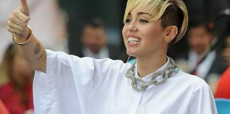 Celebrity Sex: Miley Cyrus Is Offered A Porn Deal