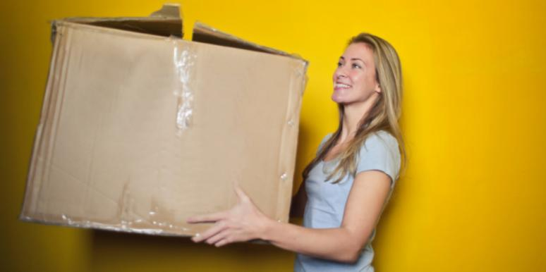 Should You Move In Together? How To Know, Per Astrology & Zodiac Sign