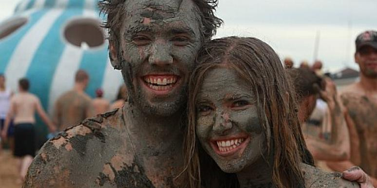 couple in mud
