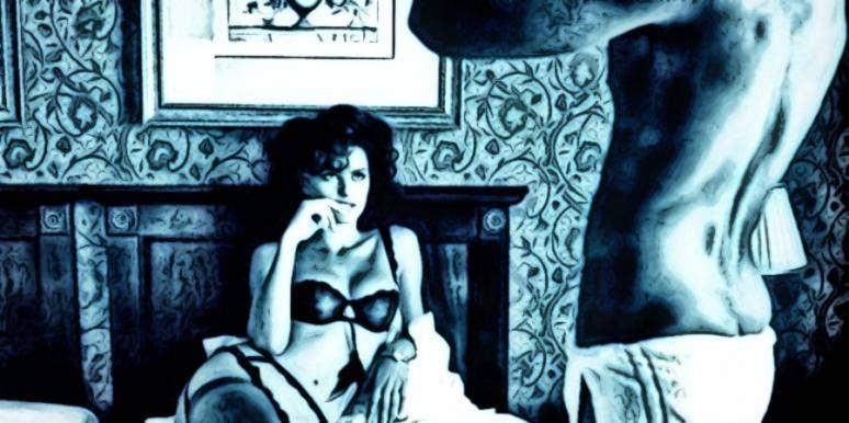 Hot naked curvy lady