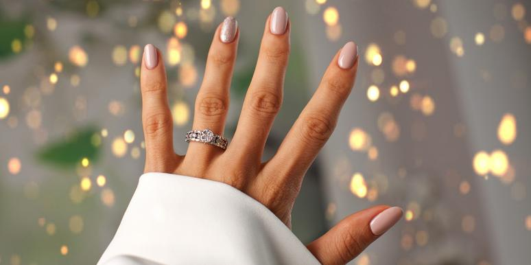 The Weird Thing Your Ring Finger Length Says About Your Personality