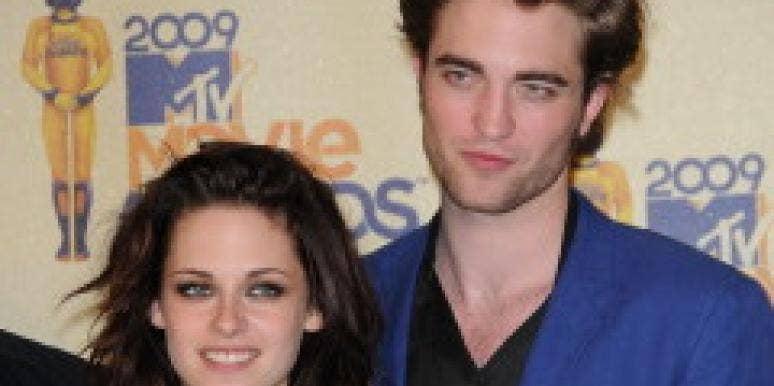 Robert Pattinson In A Love Triangle?