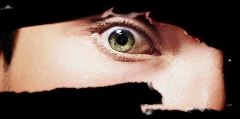 scary-eye-hole
