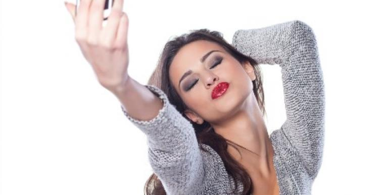 Selfies: The Four Types Of Selfies To Get Your Exes Attention