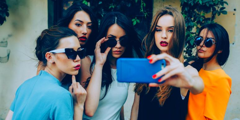 12 Selfies That Tell The World You're A Narcissist