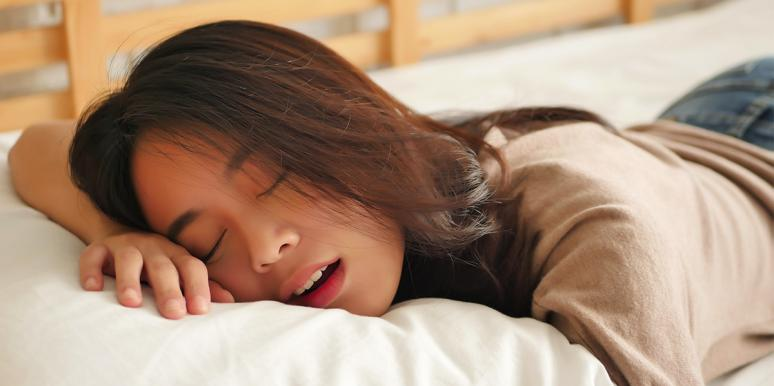woman sleeping with mouth open