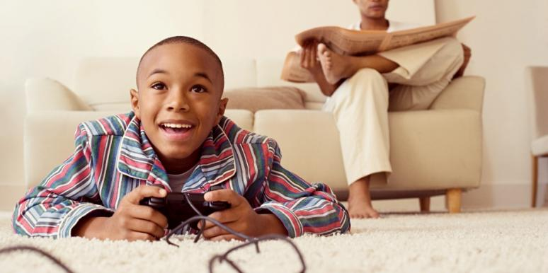 Parenting Advice On How To Help Kids Improve Social Skills & Make Friends Offline (When All They Do Is Play Video Games)