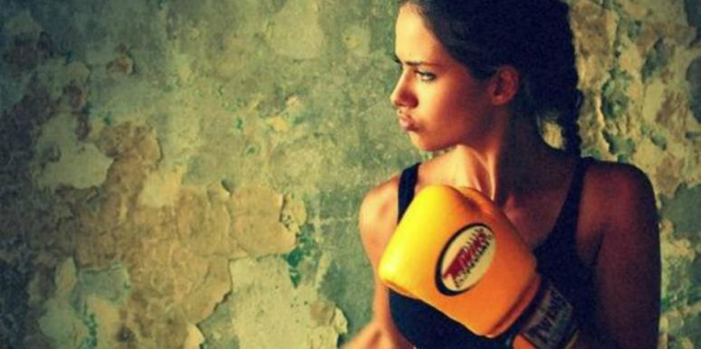5 Things Men Should NEVER Say To Strong Women They Love