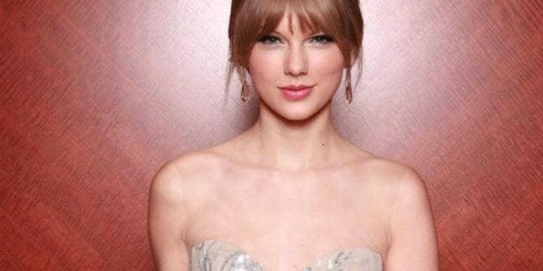 """Taylor Swift On Being Single & Her """"Earth-Shattering"""" Heartbreak"""