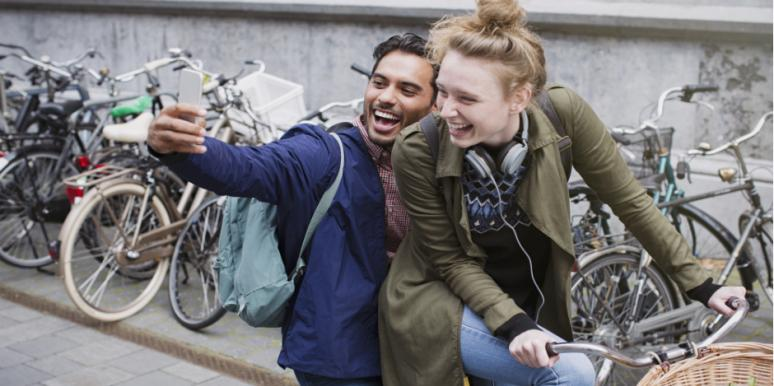 5 Must-Know Flirting Techniques That NO Man Can Resist
