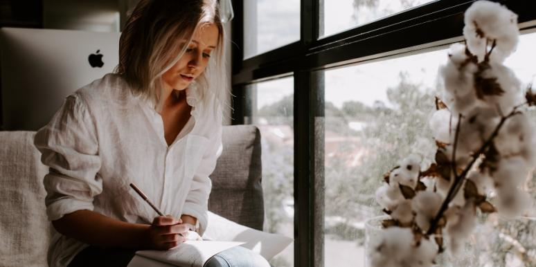 Why & How To Write A Love Letter To Yourself If You're Single On Valentine's Day 2020