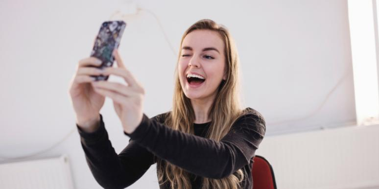 How To Take The 'Perfect' Selfie, According To Science