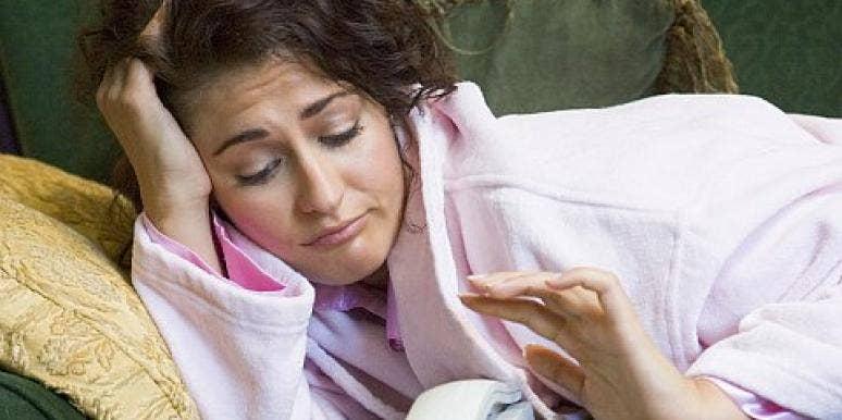woman waiting phone