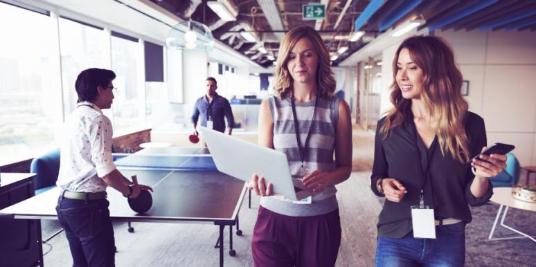 How To Motivate Employees & Improve Company Culture With A Happy Work Life Balance