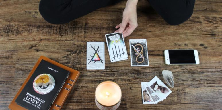 How To Do A Yes/No Love Tarot Card Reading