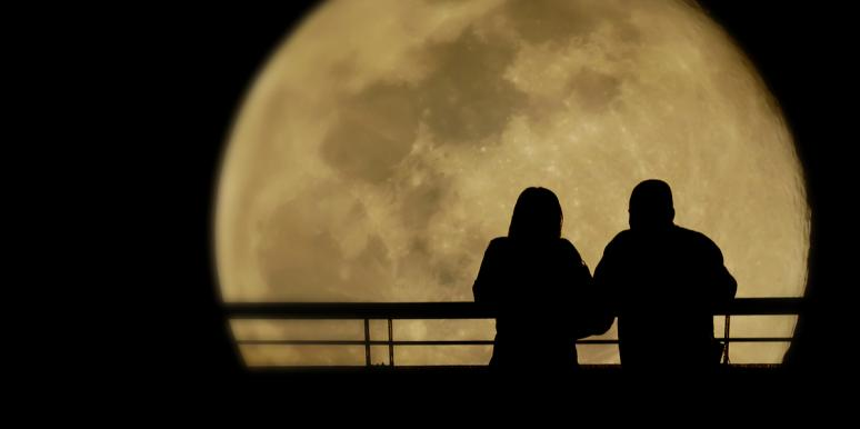3 Zodiac Signs Who Find Their Soulmate During The Moon Trine Neptune Starting October 8, 2021