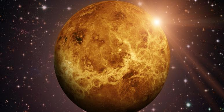 3 Zodiac Signs Who Want Love That's Unpredictable During Mars Trine Uranus Starting August 21, 2021
