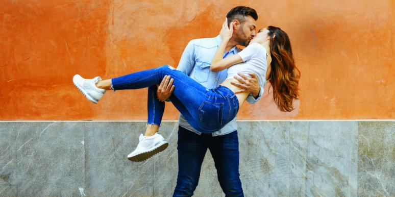 how the zodiac signs show PDA