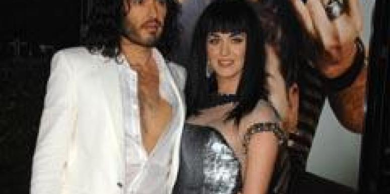 Russell Brand and Katy Brand pose together.