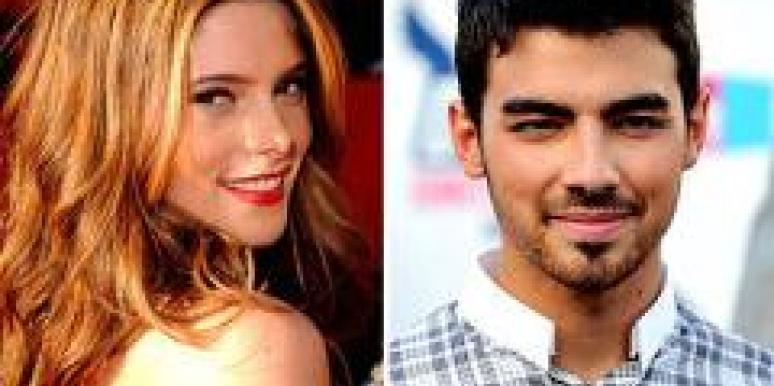 Joe Jonas Ashley Greene