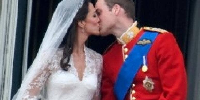 William and Kate royal wedding kiss