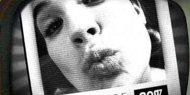 iphone kiss Alice