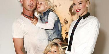 "<a href=""http://img2-2.timeinc.net/people/i/2012/features/cita/120709/gwen-stefani-440.jpg""/>Gavin Rossdale, Zuma Nesta Rock Rossdale, Kingston Rossdale & Gwen Stefani</a>"