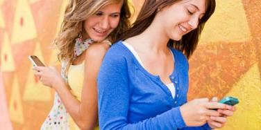 7 Ways Parents Can Ensure Cell Phone Safety [EXPERT]