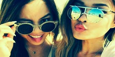 11 Platonic Pick-Up Lines For Future BFFs